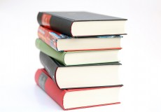 Recommended Reading: 3 articles with tips for medical writing tips in English.